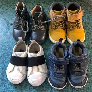 4 pairs of toddler shoes
